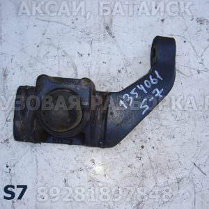 1354061 Опора переднего амортизатора нижняя
