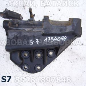 1511480 Кронштейн переднего бампера правый