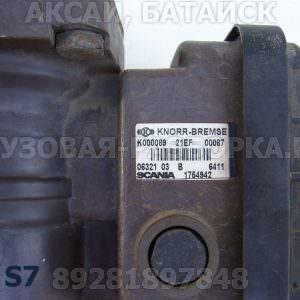 1754972 Кран управления тормозами прицепа